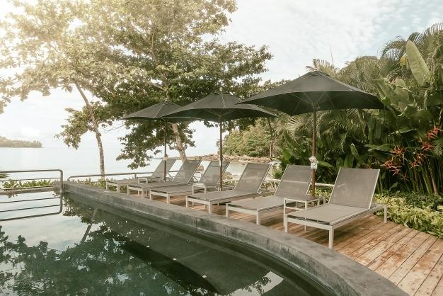 parasoller ved pool